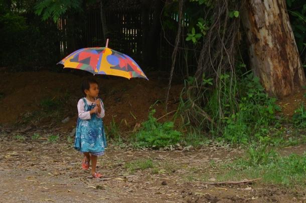 En temporada de lluvias, lleva un buen paraguas.